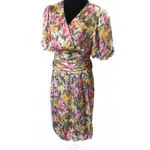 Vintage poof sleeve floral dress